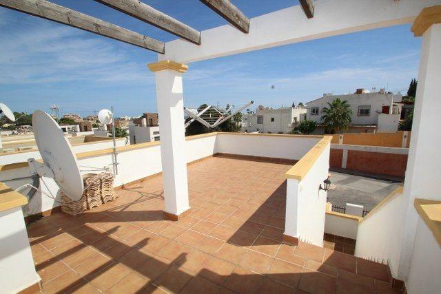 Chalet Independiente en venta  en Orihuela-Costa, Alicante . Ref: 6235. Mayrasa Properties Costa Blanca
