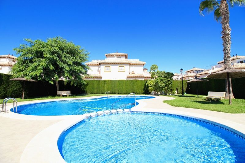 Chalet Pareado en venta  en Orihuela-Costa, Alicante . Ref: 6239. Mayrasa Properties Costa Blanca