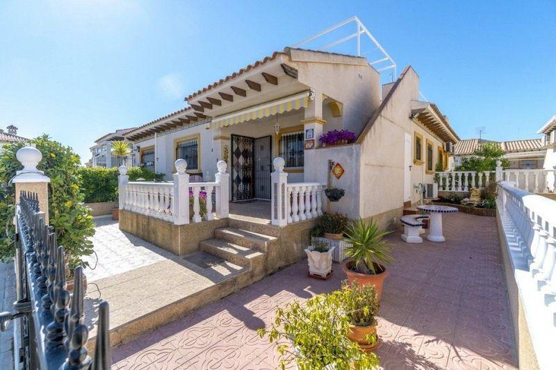 Chalet Pareado en venta  en Orihuela-Costa, Alicante . Ref: 6243. Mayrasa Properties Costa Blanca