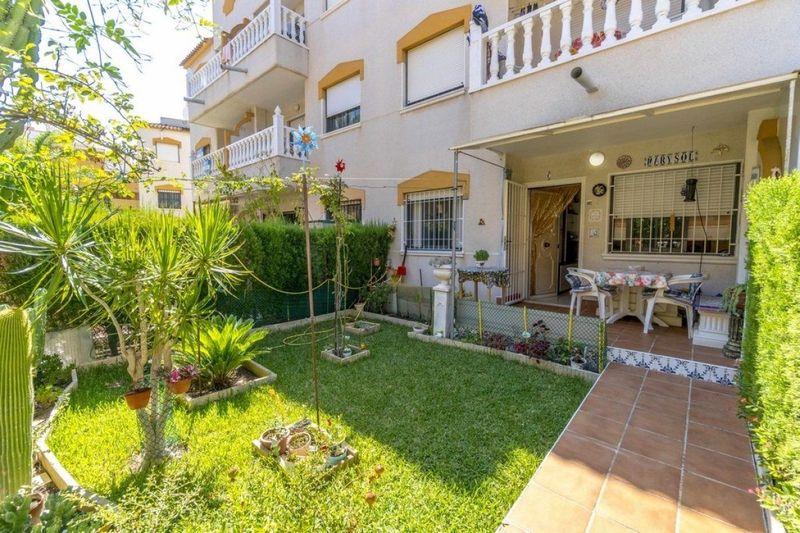 Bungalow Planta Baja en venta  en Torrevieja, Alicante . Ref: 6244. Mayrasa Properties Costa Blanca