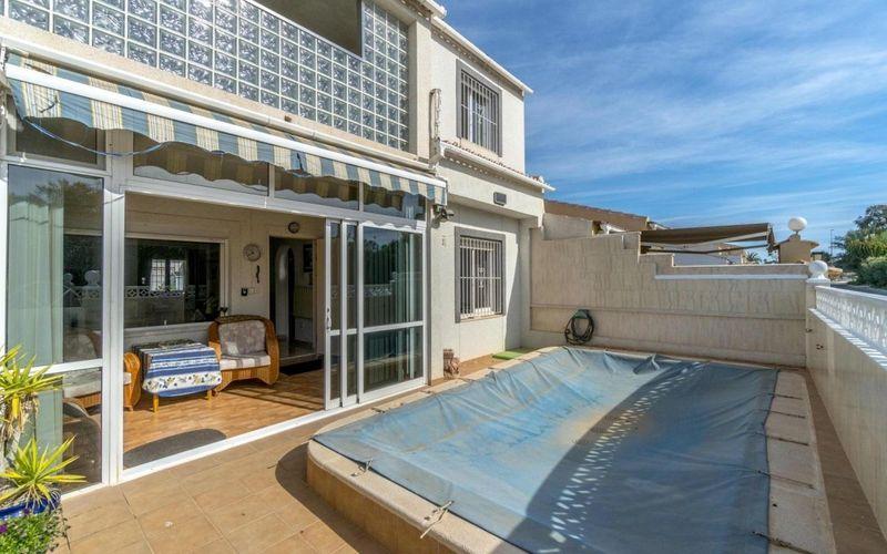 Chalet Pareado en venta  en Torrevieja, Alicante . Ref: 6269. Mayrasa Properties Costa Blanca