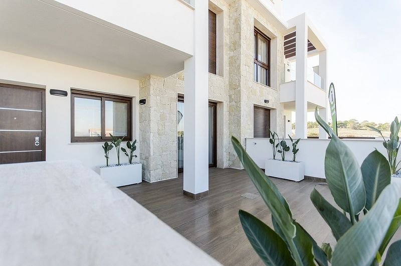 Bungalow Planta Baja en venta  en Torrevieja, Alicante . Ref: 6277. Mayrasa Properties Costa Blanca