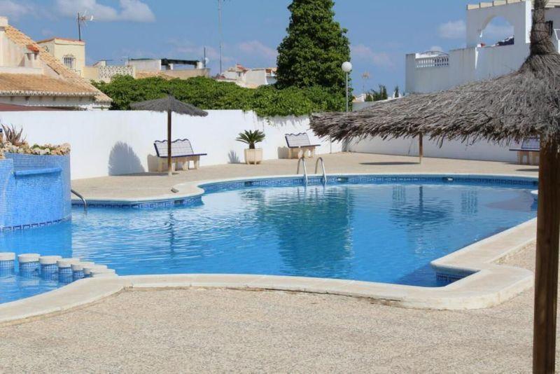 Chalet Pareado en venta  en Torrevieja, Alicante . Ref: 6283. Mayrasa Properties Costa Blanca