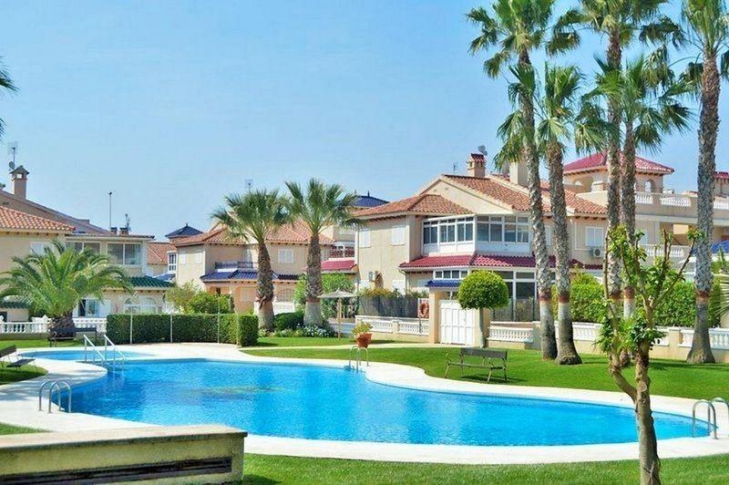Chalet Pareado en venta  en Orihuela-Costa, Alicante . Ref: 6332. Mayrasa Properties Costa Blanca