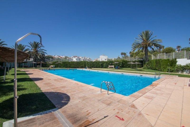 Adosado en venta  en Torrevieja, Alicante . Ref: 6351. Mayrasa Properties Costa Blanca