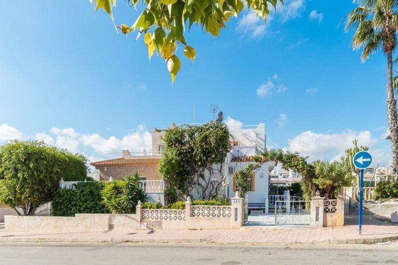 Chalet Pareado en venta  en Orihuela-Costa, Alicante . Ref: 6354. Mayrasa Properties Costa Blanca