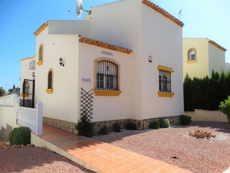 Chalet Independiente en venta  en Orihuela-Costa, Alicante . Ref: 6371. Mayrasa Properties Costa Blanca