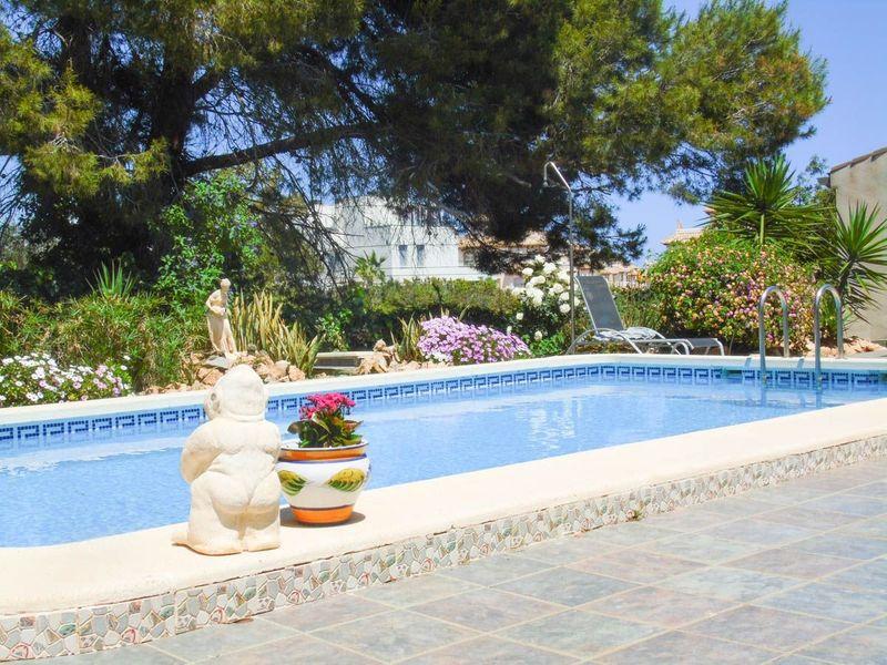 Chalet Independiente en venta  en Orihuela-Costa, Alicante . Ref: 6372. Mayrasa Properties Costa Blanca