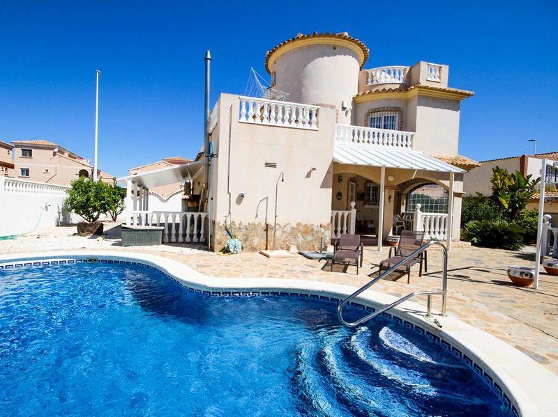 Chalet Independiente en venta  en Orihuela-Costa, Alicante . Ref: 6373. Mayrasa Properties Costa Blanca