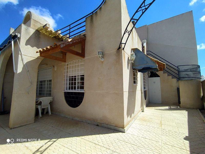 Chalet Pareado en venta  en Torrevieja, Alicante . Ref: 6391. Mayrasa Properties Costa Blanca