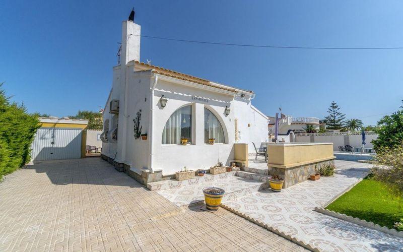Chalet Independiente en venta  en Orihuela-Costa, Alicante . Ref: 6406. Mayrasa Properties Costa Blanca