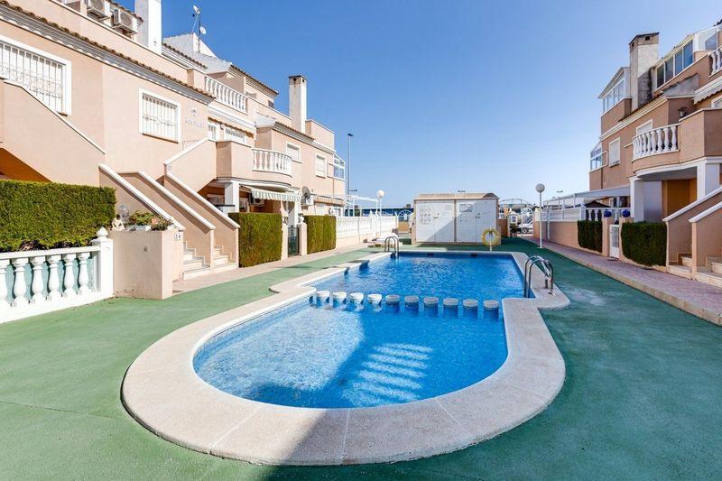 Adosado en venta  en Torrevieja, Alicante . Ref: 6408. Mayrasa Properties Costa Blanca