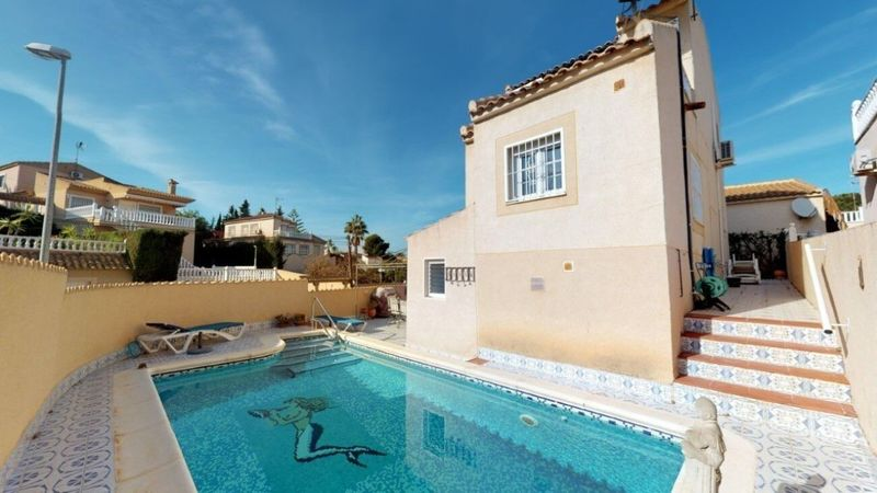 Chalet Pareado en venta  en Torrevieja, Alicante . Ref: 6470. Mayrasa Properties Costa Blanca
