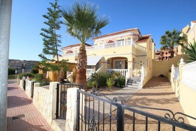 Chalet Pareado en venta  en Orihuela-Costa, Alicante . Ref: 6788. Mayrasa Properties Costa Blanca