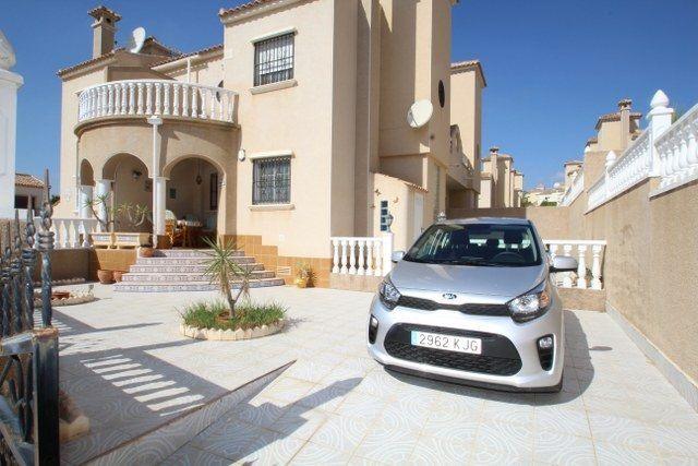Chalet Pareado en venta  en Orihuela-Costa, Alicante . Ref: 6792. Mayrasa Properties Costa Blanca