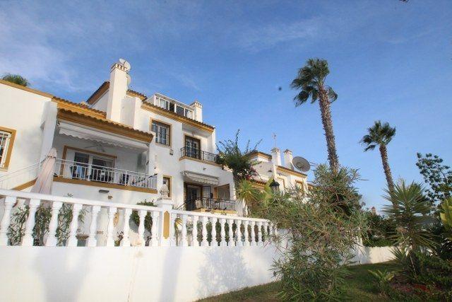 Adosado en venta  en Orihuela-Costa, Alicante . Ref: 6793. Mayrasa Properties Costa Blanca