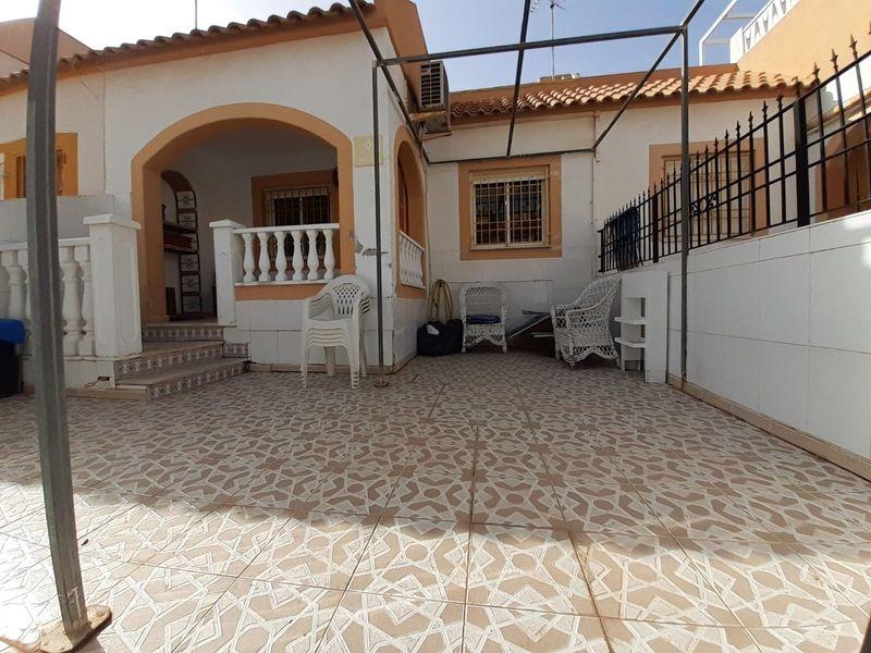 Adosado en venta  en Torrevieja, Alicante . Ref: 6795. Mayrasa Properties Costa Blanca