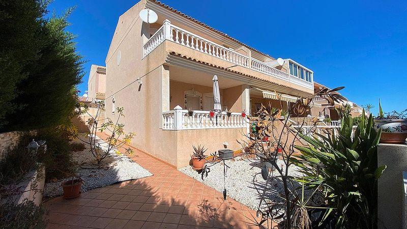 Adosado en venta  en Torrevieja, Alicante . Ref: 6799. Mayrasa Properties Costa Blanca