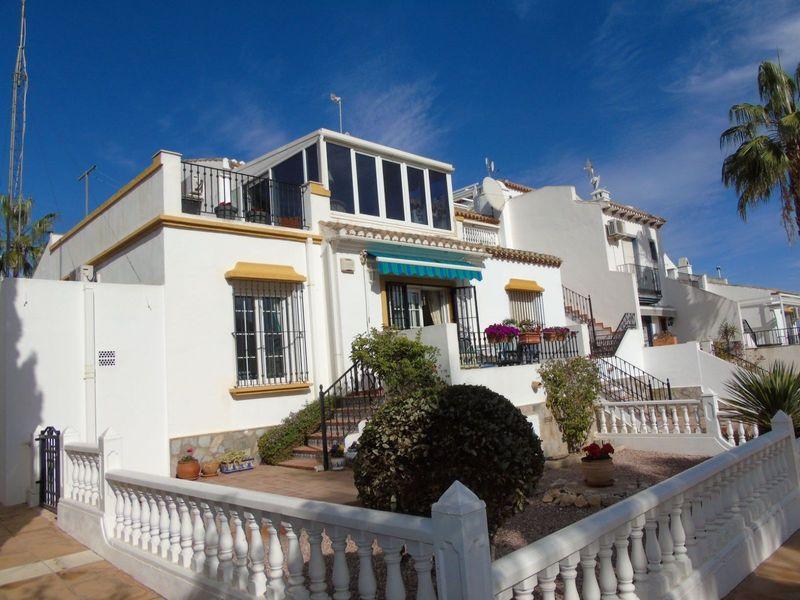 Chalet Pareado en venta  en Orihuela-Costa, Alicante . Ref: 6800. Mayrasa Properties Costa Blanca