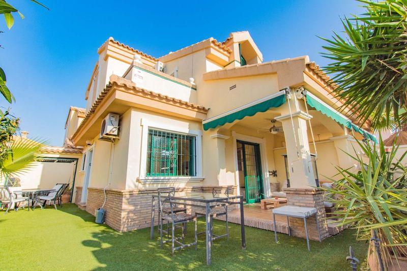 Chalet Pareado en venta  en Orihuela-Costa, Alicante . Ref: 6821. Mayrasa Properties Costa Blanca
