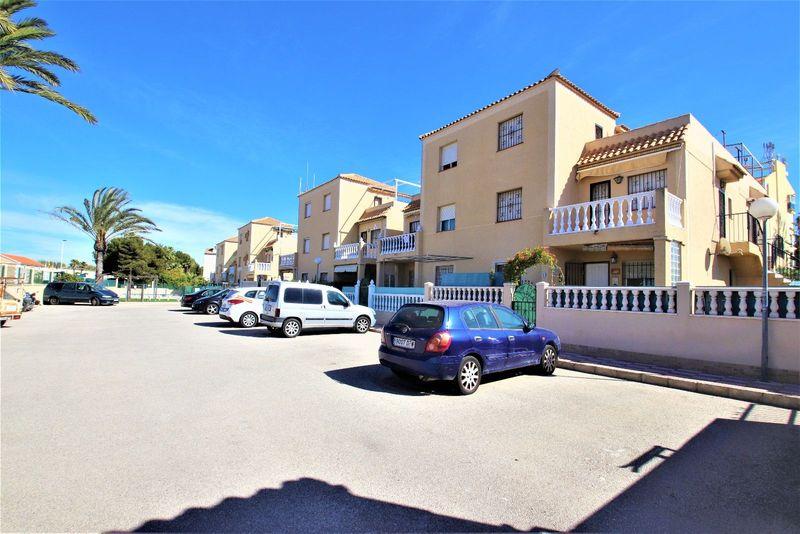 Bungalow Planta Alta en venta  en Torrevieja, Alicante . Ref: 6823. Mayrasa Properties Costa Blanca