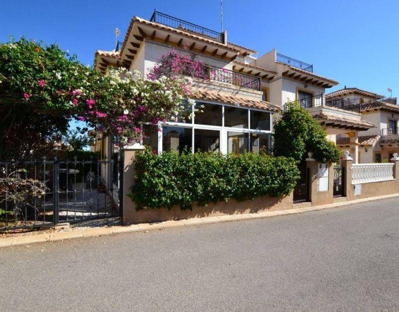 Chalet Pareado en venta  en Orihuela-Costa, Alicante . Ref: 6824. Mayrasa Properties Costa Blanca