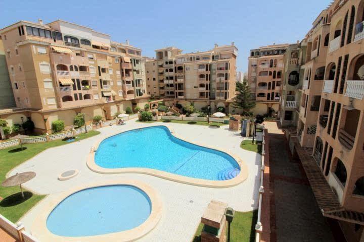 Apartamento en venta  en Torrevieja, Alicante . Ref: 6826. Mayrasa Properties Costa Blanca
