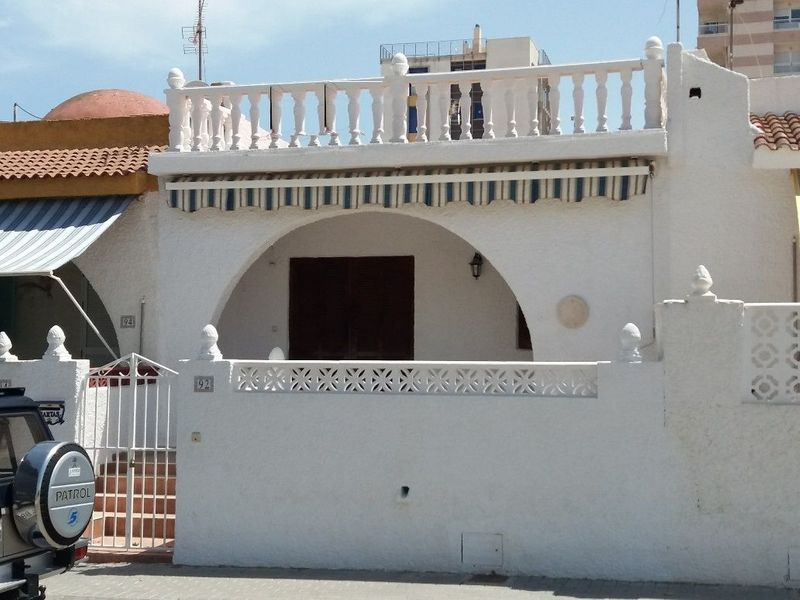 Adosado en venta  en Torrevieja, Alicante . Ref: 6859. Mayrasa Properties Costa Blanca