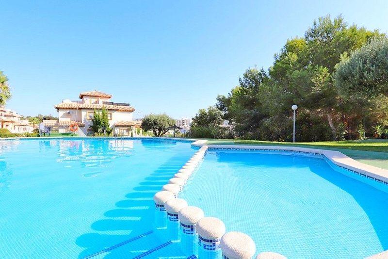 Apartamento en venta  en Orihuela-Costa, Alicante . Ref: 6872. Mayrasa Properties Costa Blanca
