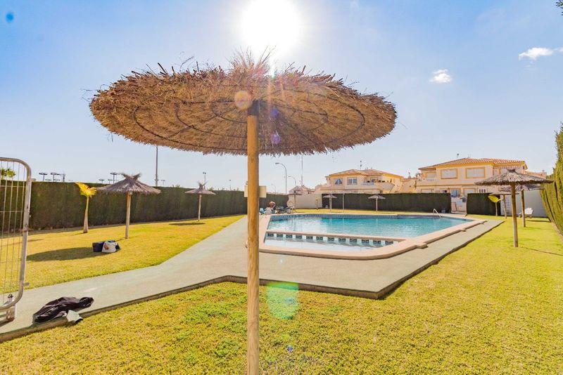 Bungalow Planta Alta en venta  en Orihuela-Costa, Alicante . Ref: 6889. Mayrasa Properties Costa Blanca