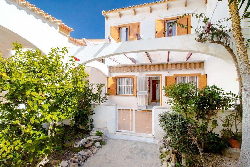 Adosado en venta  en Torrevieja, Alicante . Ref: 6917. Mayrasa Properties Costa Blanca