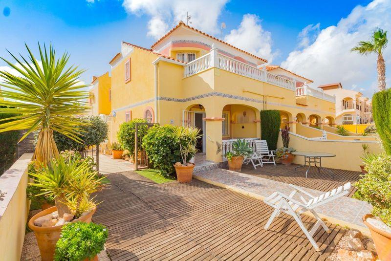 Adosado en venta  en Orihuela-Costa, Alicante . Ref: 6933. Mayrasa Properties Costa Blanca