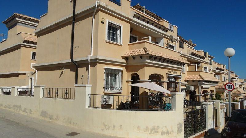 Adosado en venta  en Orihuela-Costa, Alicante . Ref: 6936. Mayrasa Properties Costa Blanca