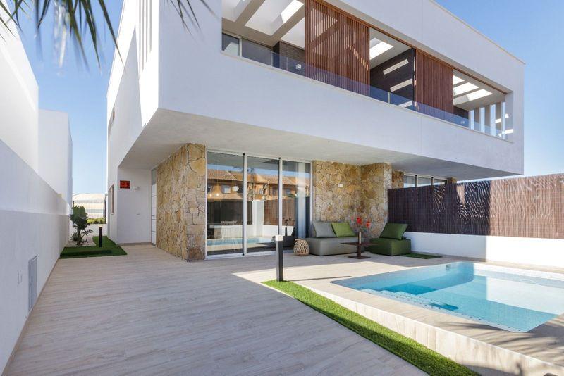 Chalet Pareado en venta  en San Pedro Del Pinatar, Murcia . Ref: 7111. Mayrasa Properties Costa Blanca