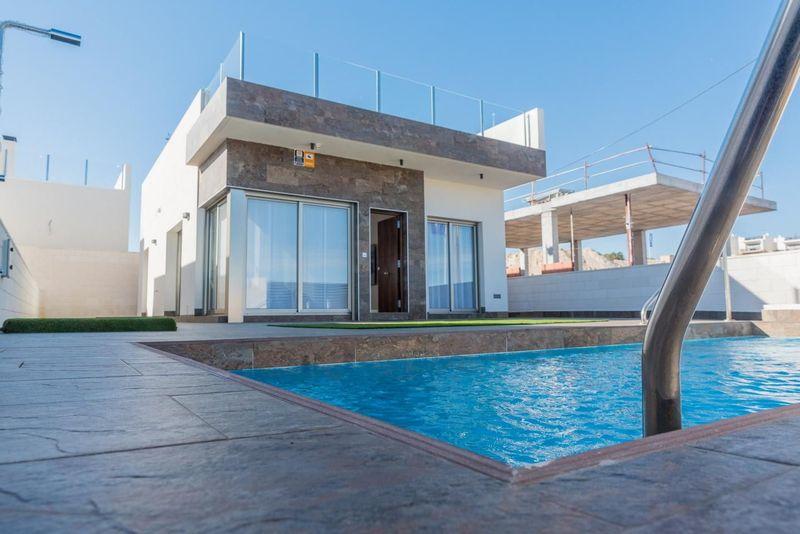 Chalet Independiente en venta  en Orihuela-Costa, Alicante . Ref: 7522. Mayrasa Properties Costa Blanca
