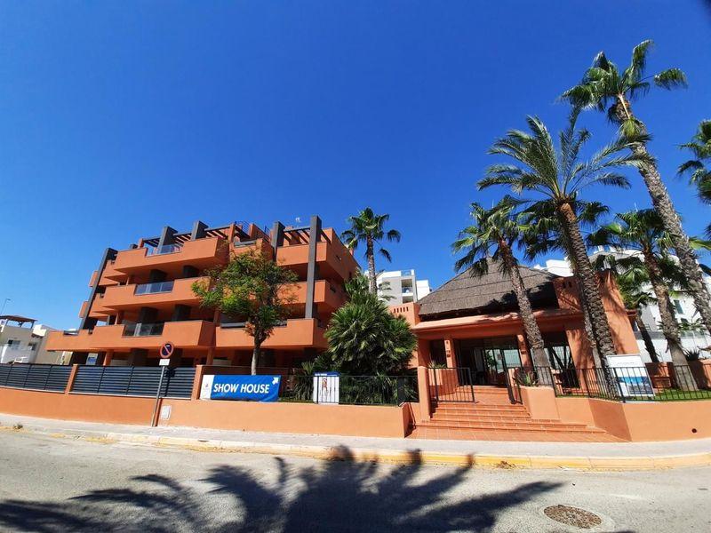 Apartamento en venta  en Orihuela-Costa, Alicante . Ref: 7537. Mayrasa Properties Costa Blanca