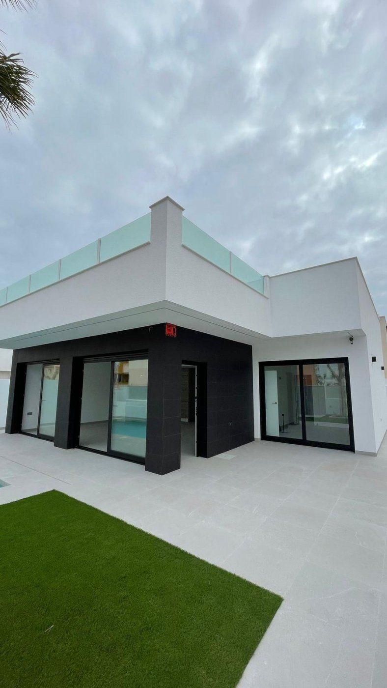 Chalet Independiente en venta  en San Pedro Del Pinatar, Murcia . Ref: 7686. Mayrasa Properties Costa Blanca