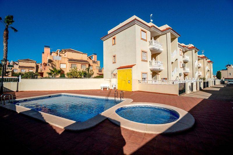 Bungalow Planta Baja en venta  en Orihuela-Costa, Alicante . Ref: 7692. Mayrasa Properties Costa Blanca