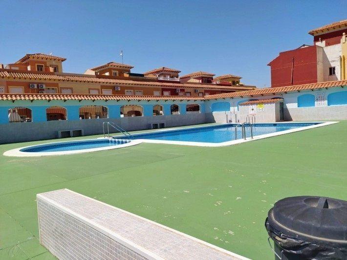 Adosado en venta  en Torrevieja, Alicante . Ref: 7706. Mayrasa Properties Costa Blanca
