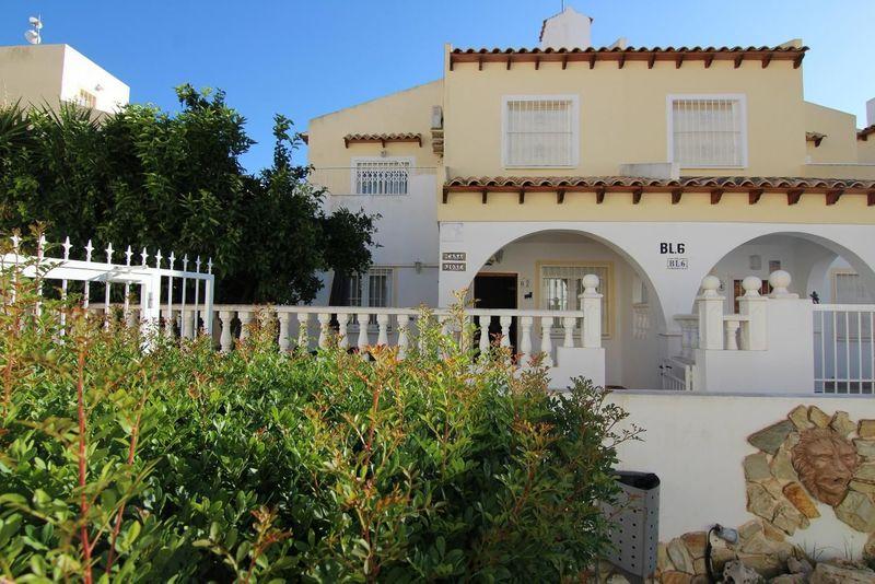 Chalet Pareado en venta  en Orihuela-Costa, Alicante . Ref: 7707. Mayrasa Properties Costa Blanca