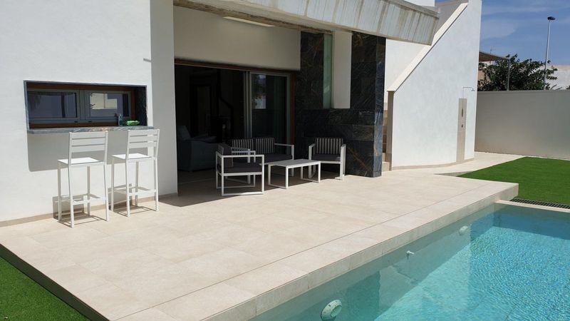 Chalet Independiente en venta  en San Pedro Del Pinatar, Murcia . Ref: 7724. Mayrasa Properties Costa Blanca