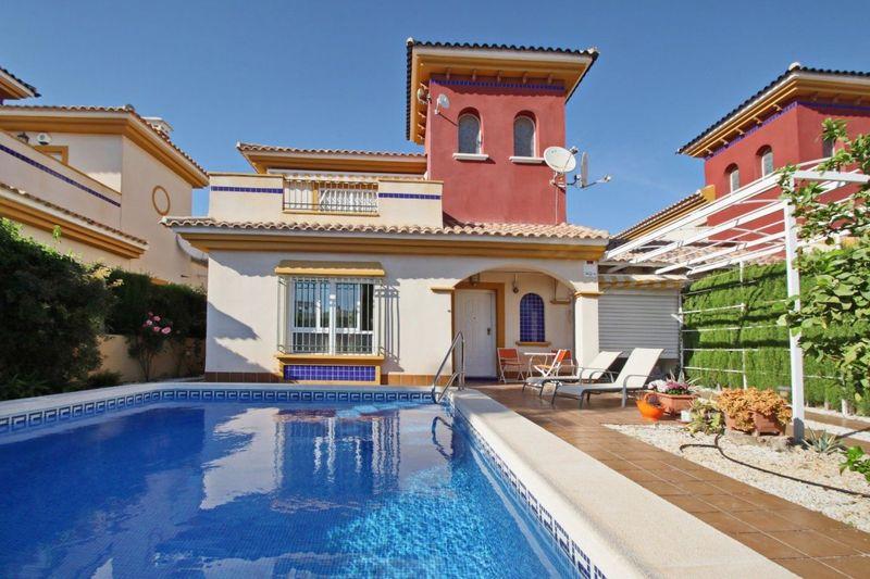 Chalet Independiente en venta  en Orihuela-Costa, Alicante . Ref: 7728. Mayrasa Properties Costa Blanca