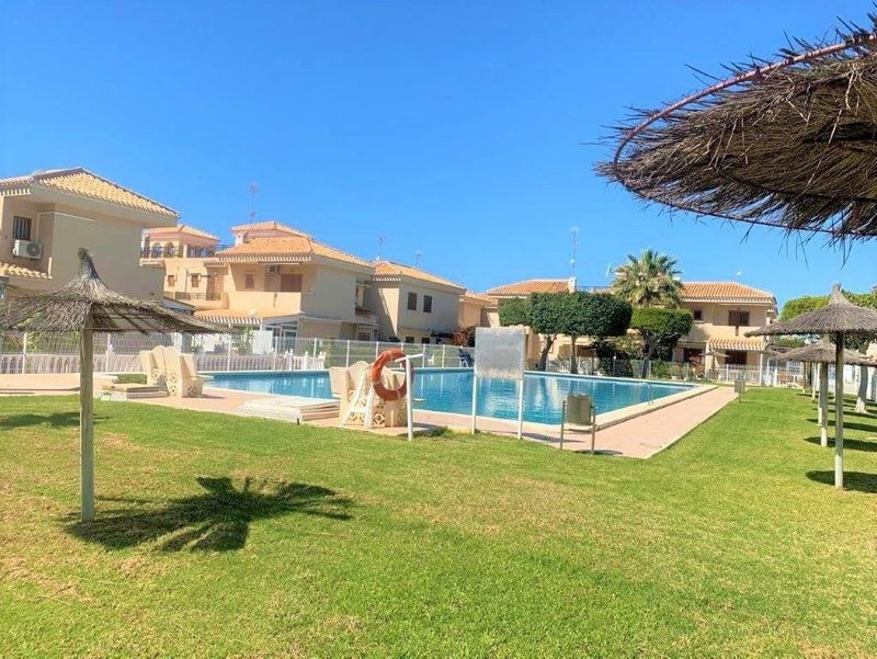 Chalet Pareado en venta  en Orihuela-Costa, Alicante . Ref: 7759. Mayrasa Properties Costa Blanca