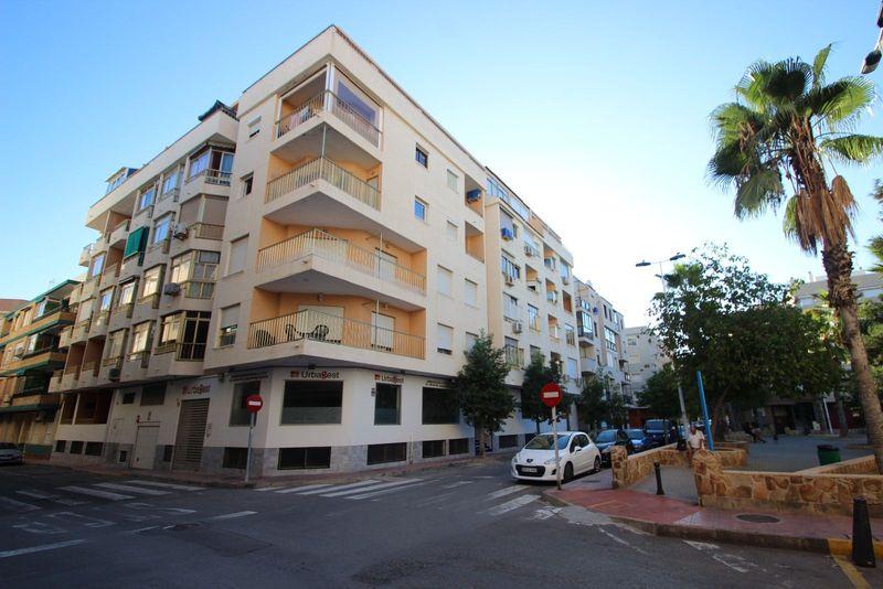 Apartamento en venta  en Torrevieja, Alicante . Ref: 7828. Mayrasa Properties Costa Blanca