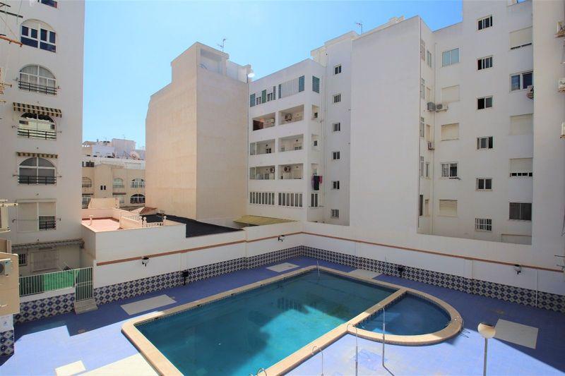 Apartamento en venta  en Torrevieja, Alicante . Ref: 7872. Mayrasa Properties Costa Blanca