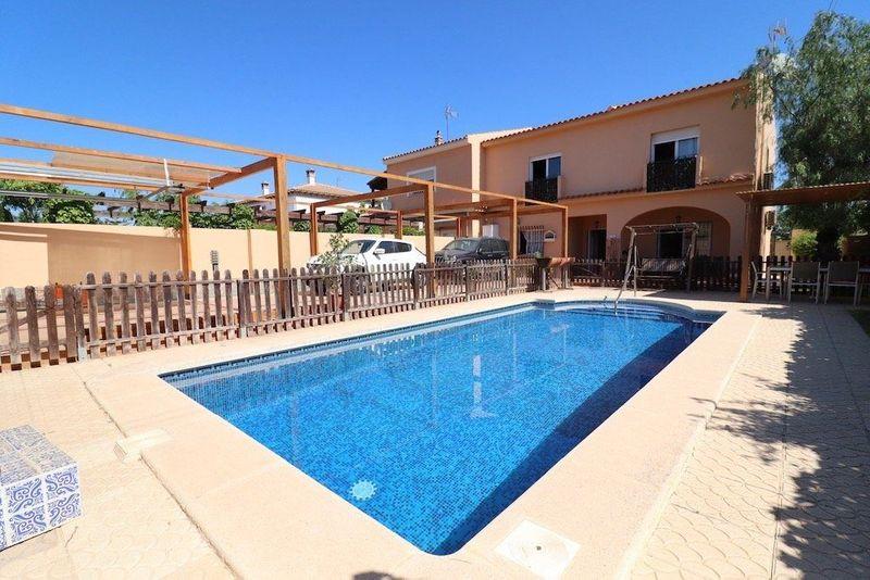 Chalet Pareado en venta  en Torrevieja, Alicante . Ref: 8209. Mayrasa Properties Costa Blanca