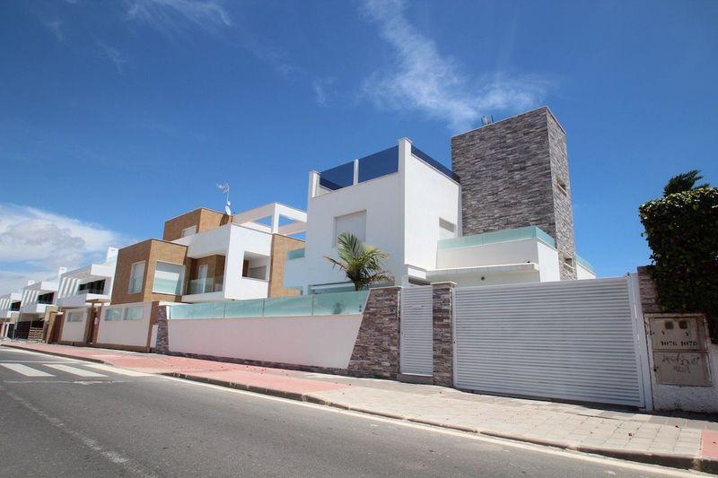 Chalet Independiente en venta  en Orihuela-Costa, Alicante . Ref: 8414. Mayrasa Properties Costa Blanca