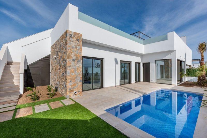 Adosado en venta  en Pilar De La Horadada, Alicante . Ref: 8497. Mayrasa Properties Costa Blanca
