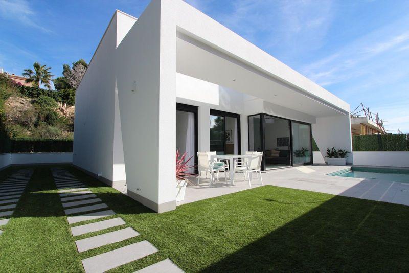 Chalet Independiente en venta  en Pilar De La Horadada, Alicante . Ref: 8544. Mayrasa Properties Costa Blanca