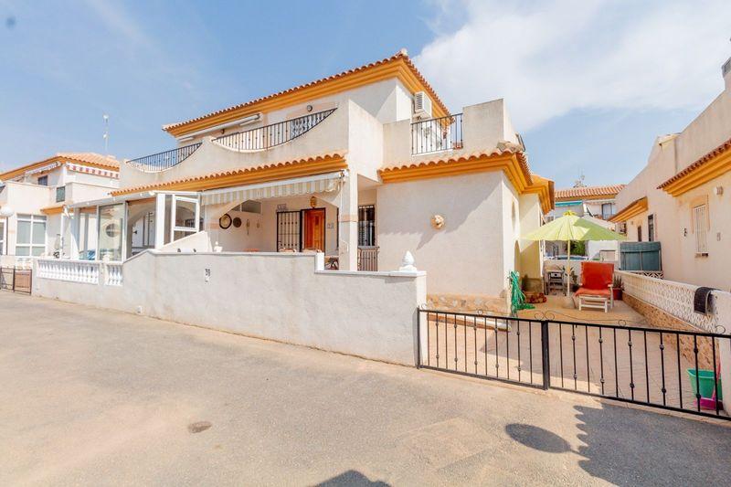 Chalet Pareado en venta  en Orihuela-Costa, Alicante . Ref: 8624. Mayrasa Properties Costa Blanca